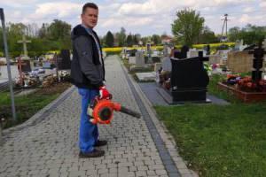 Akcja porządkowania cmentarza 5-05-2020