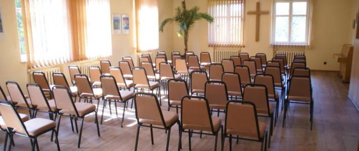 Remont podłogi w dużej sali